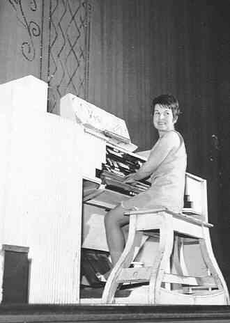 Joyce Alldred Resident Organist  for 17 Years from 1966